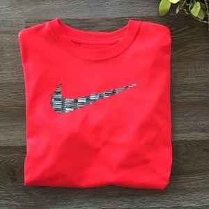 Nike Dri-FIT Shirt  Boys Size L Red
